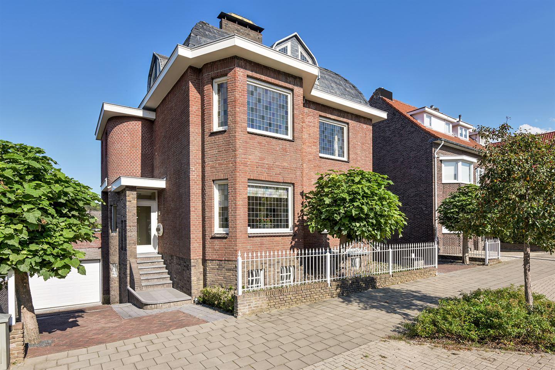 Bekijk foto 3 van Maastrichterlaan 207