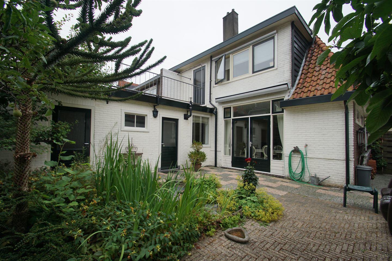 Bekijk foto 2 van Burgemeester Goeman Borgesiusstraat 13