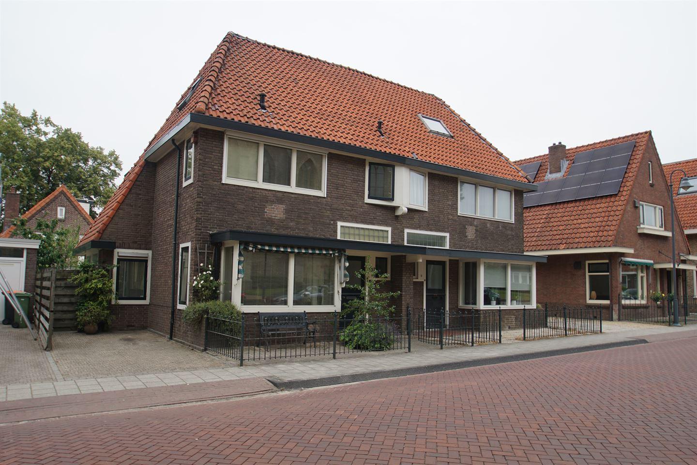 Bekijk foto 1 van Burgemeester Goeman Borgesiusstraat 13