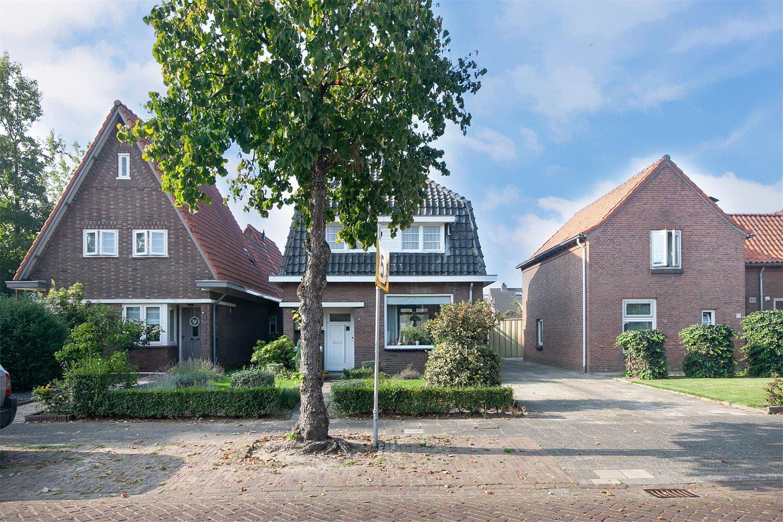 View photo 4 of Van Heeswijkstraat 78