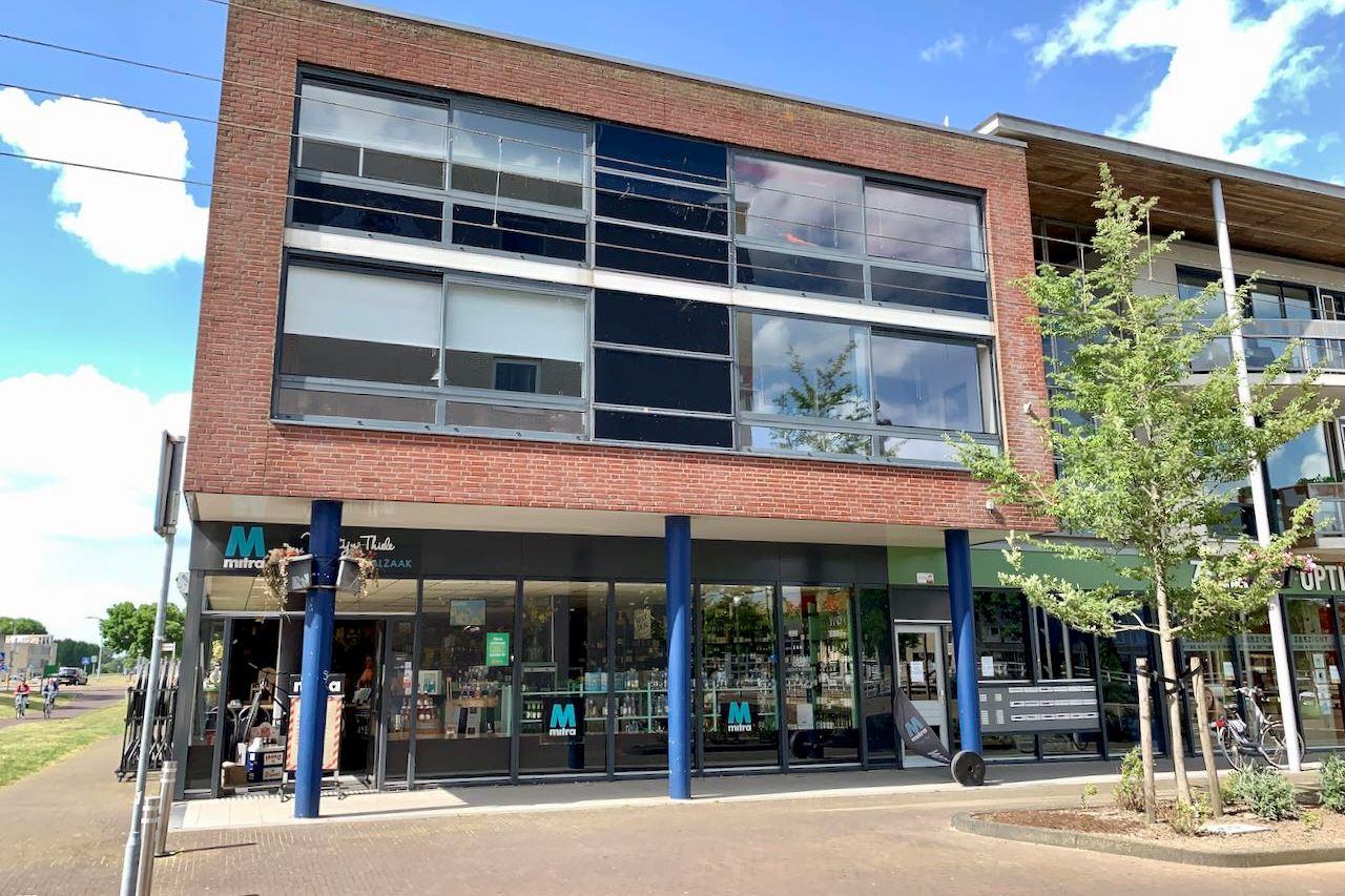 Bekijk foto 3 van Raadhuisplein 2