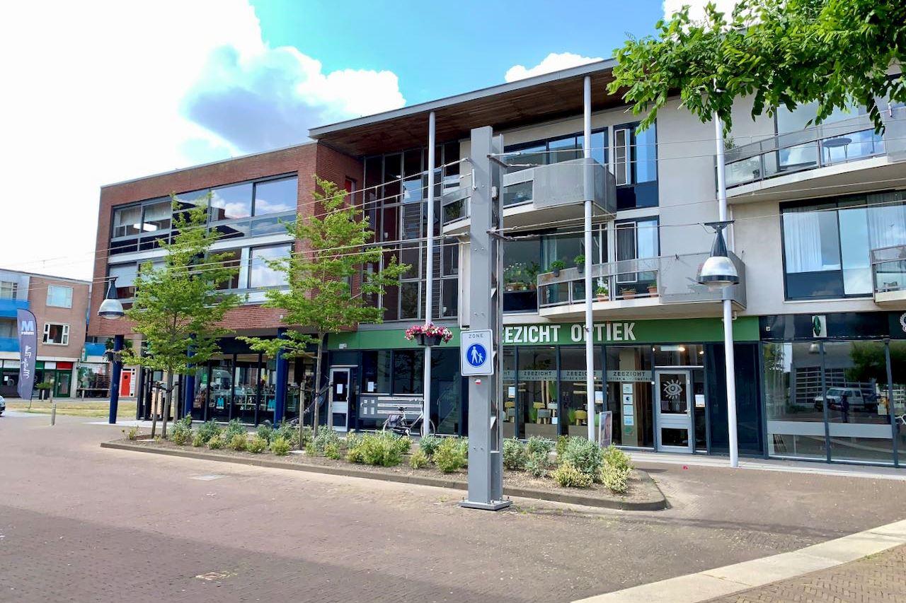 Bekijk foto 4 van Raadhuisplein 2