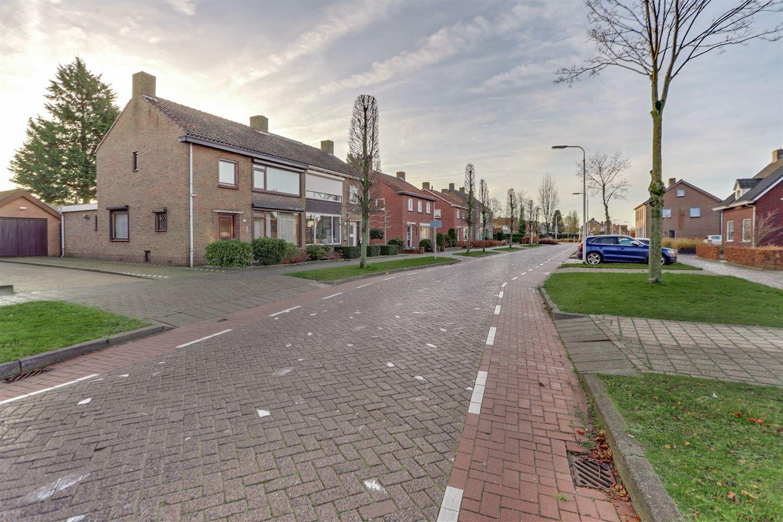Bekijk foto 2 van Veldstraat 77