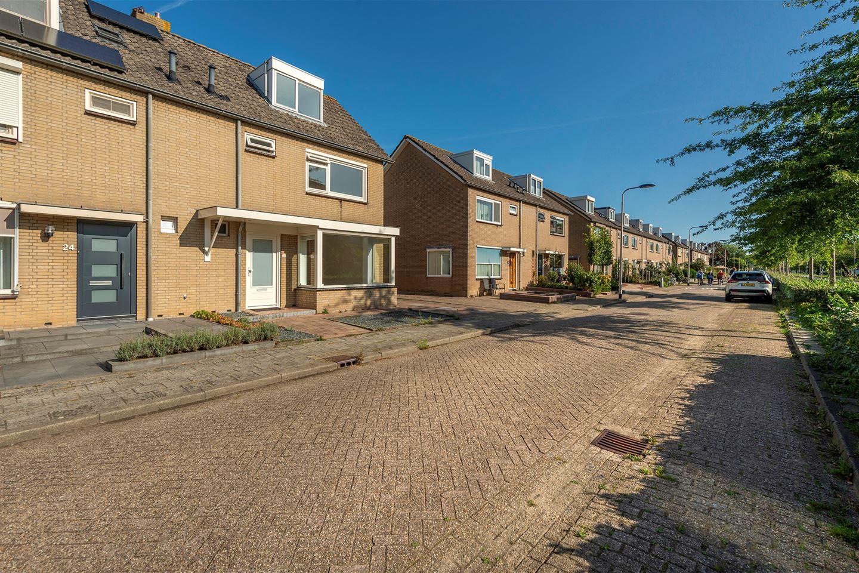 Bekijk foto 2 van van Limburg Stirumstraat 26