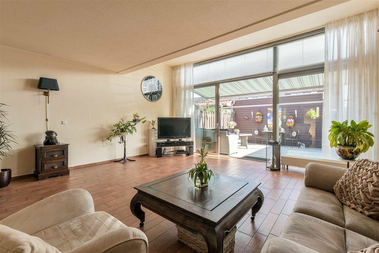Bekijk foto 2 van Raoul Dufystraat 24