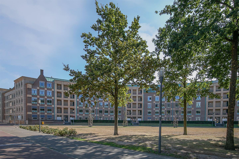 Bekijk foto 1 van Frans Joseph van Thielpark 19