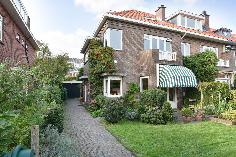 Bekijk foto 1 van van Deventerlaan 7