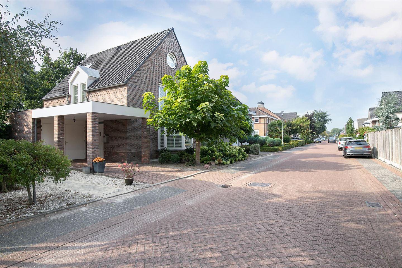 Bekijk foto 2 van Wilhelmina Sangersstraat 14