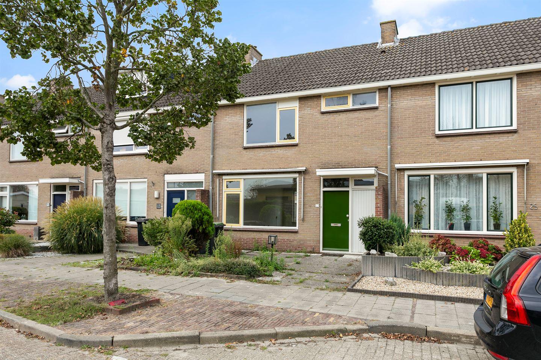 Bekijk foto 1 van de Ruyterstraat 23