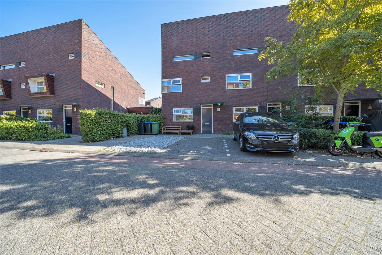 Bekijk foto 2 van Henk Plenterlaan 43