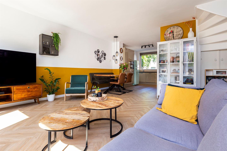 Bekijk foto 3 van Claude Debussystraat 58