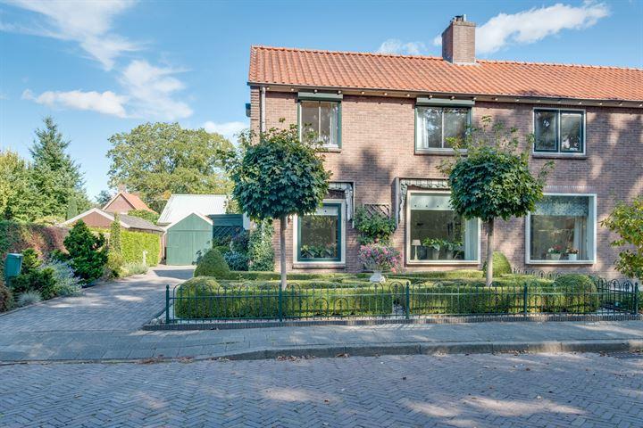 Van Damstraat 8