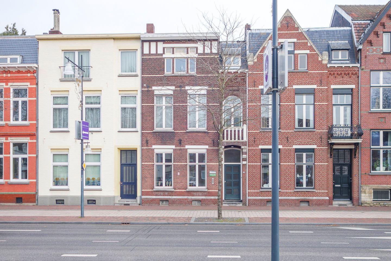 Bekijk foto 1 van Wilhelminaplein 14