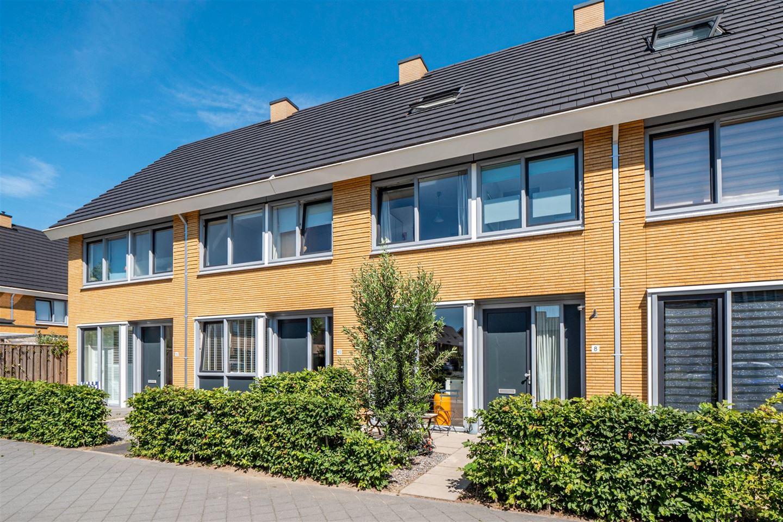 Bekijk foto 1 van Max Velthuijsstraat 8