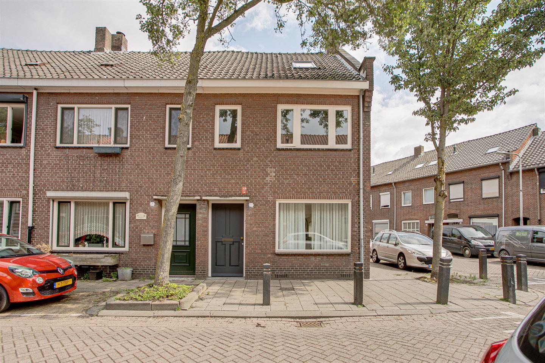 Bekijk foto 1 van Vazalstraat 5