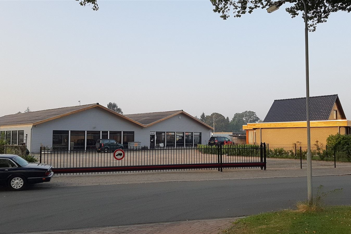 View photo 1 of Nijverheidsweg 14 -14a