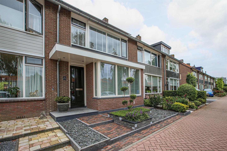 Bekijk foto 4 van Wethouder Van den Bergplein 14