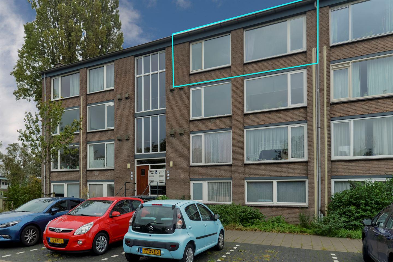 Bekijk foto 1 van Raadhuislaan 136