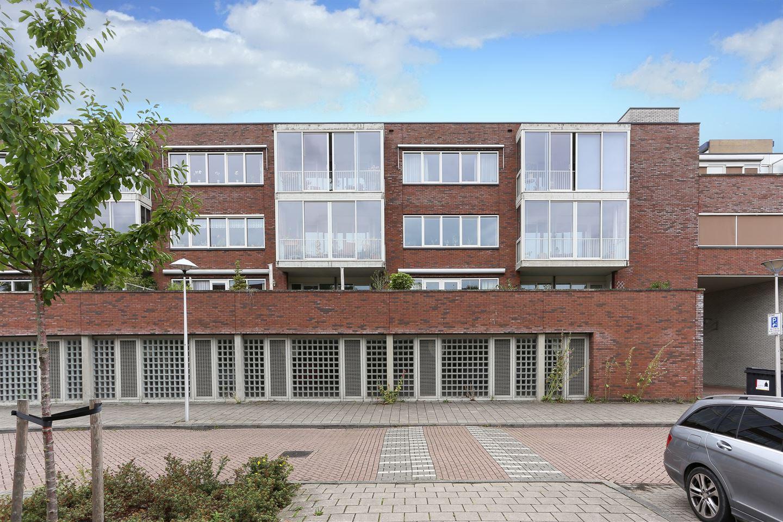 Bekijk foto 1 van Prof. Zonnebloemlaan 70