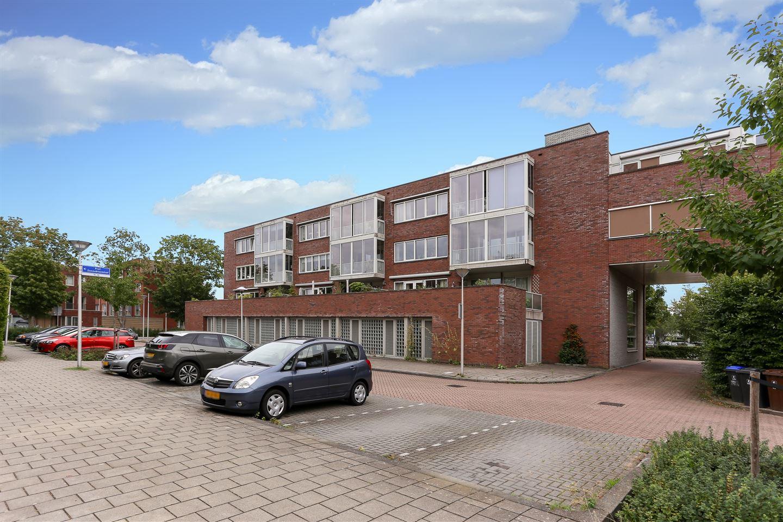 Bekijk foto 2 van Prof. Zonnebloemlaan 70