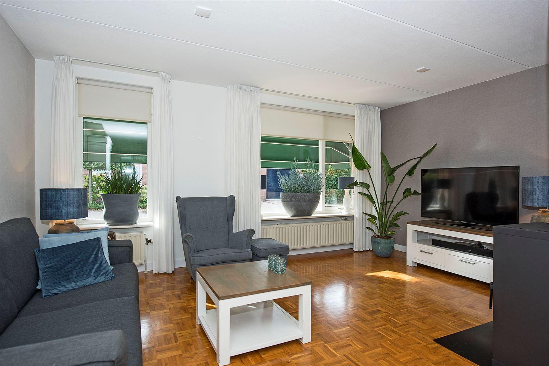 Bekijk foto 2 van Delhezstraat 11