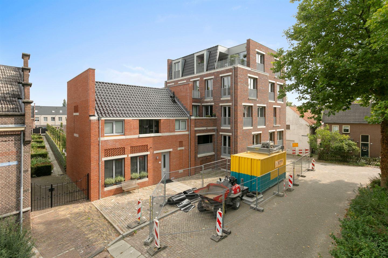 View photo 1 of Halvemaanstraat 29