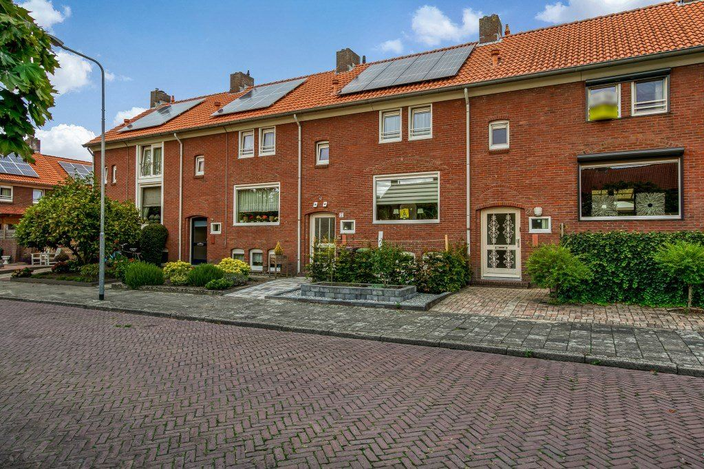 Bekijk foto 2 van Herman Potgieterstraat 27