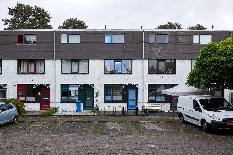 View photo 2 of Zeewinde 76