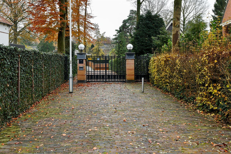 Bekijk foto 2 van Hertog Hendriklaan 9