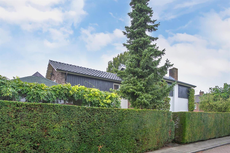 Bekijk foto 2 van Bernhardstraat 7