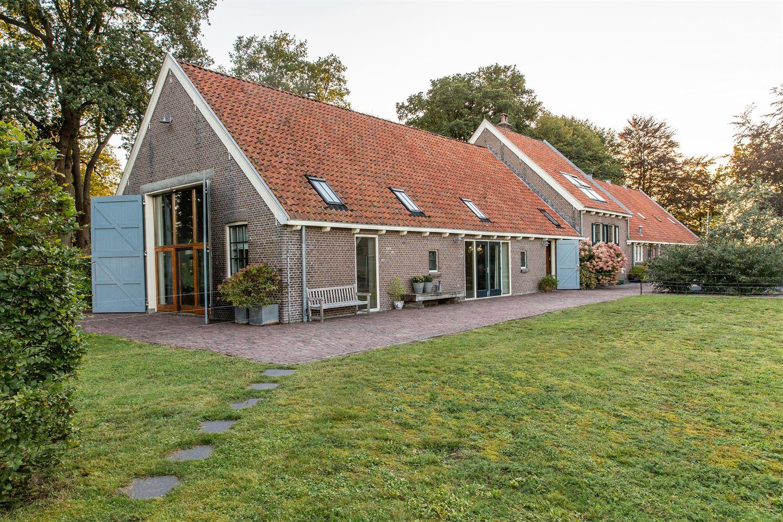Bekijk foto 2 van Generaal van den Boschweg 20