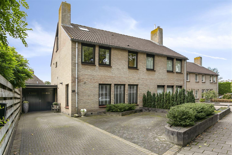 Bekijk foto 1 van Veenluydenstraat 18