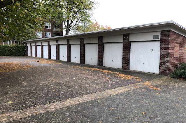 Bekijk foto 2 van Mgr. Frenckenstraat 10