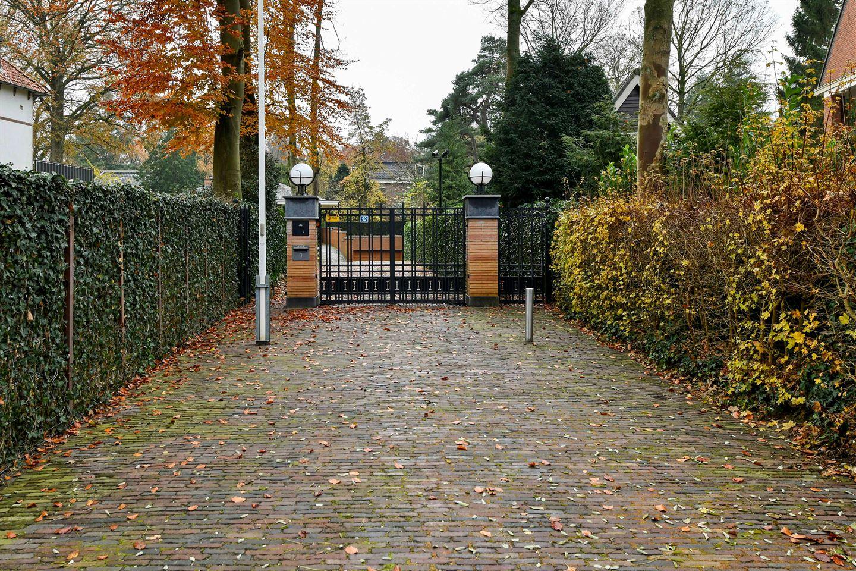 View photo 4 of Hertog Hendriklaan 9