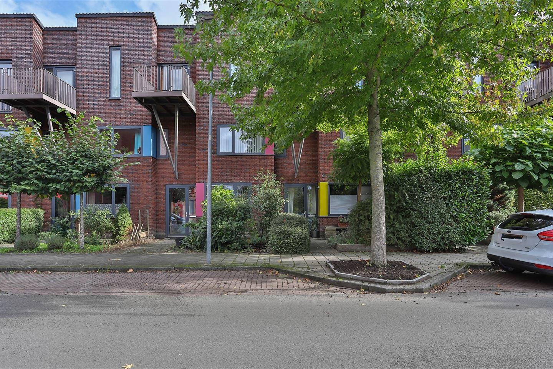 Bekijk foto 1 van Voermanstraat 1 -26
