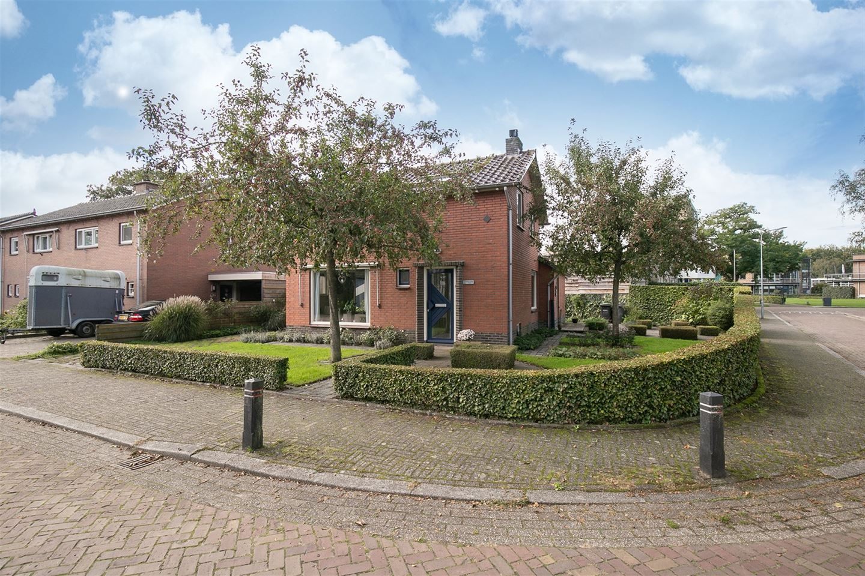 View photo 2 of H.C. van de Houven van Oordtstraat 2