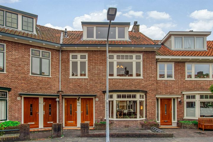 Uranusstraat 11
