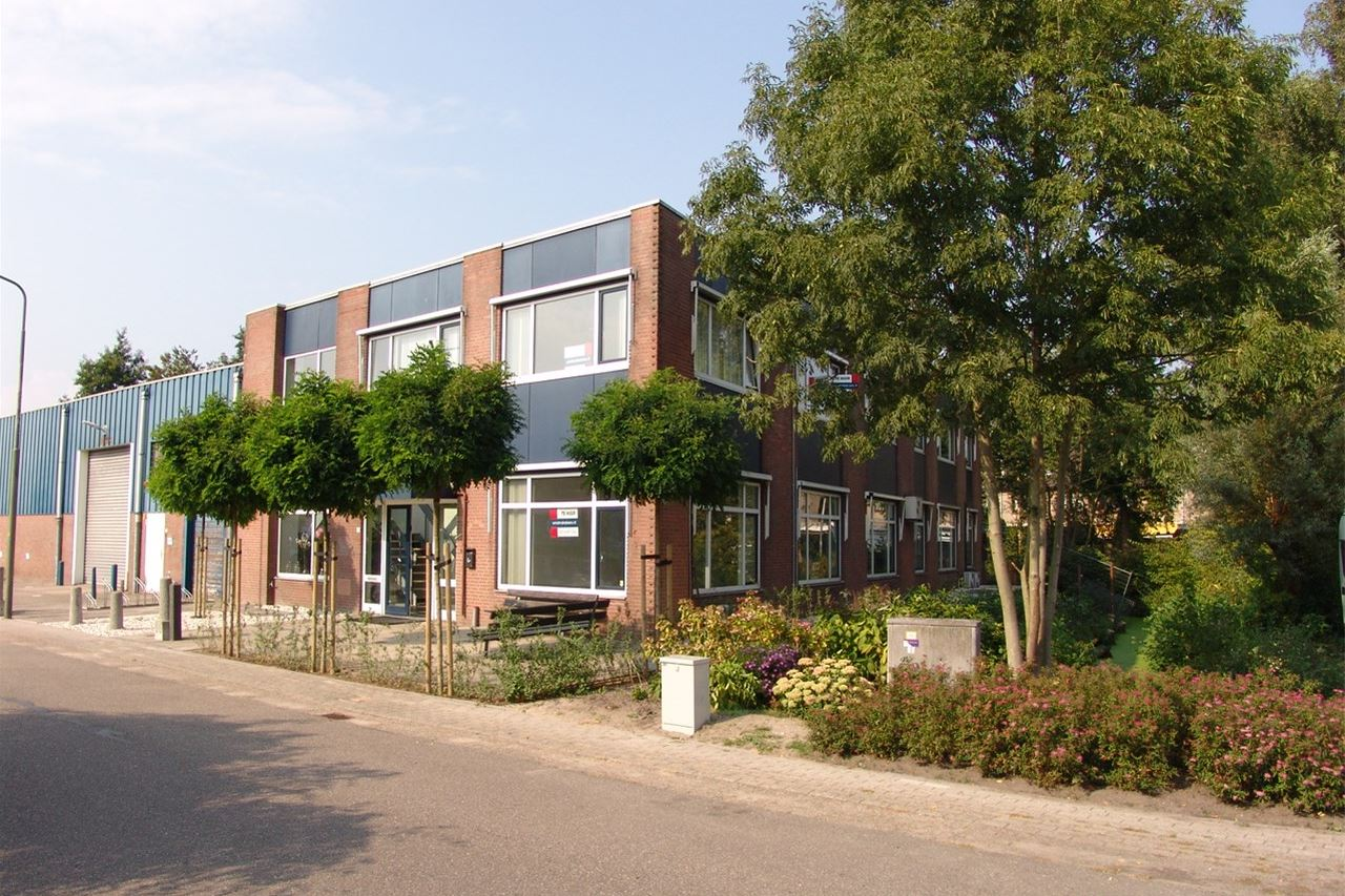 View photo 1 of Ambachtenstraat 10