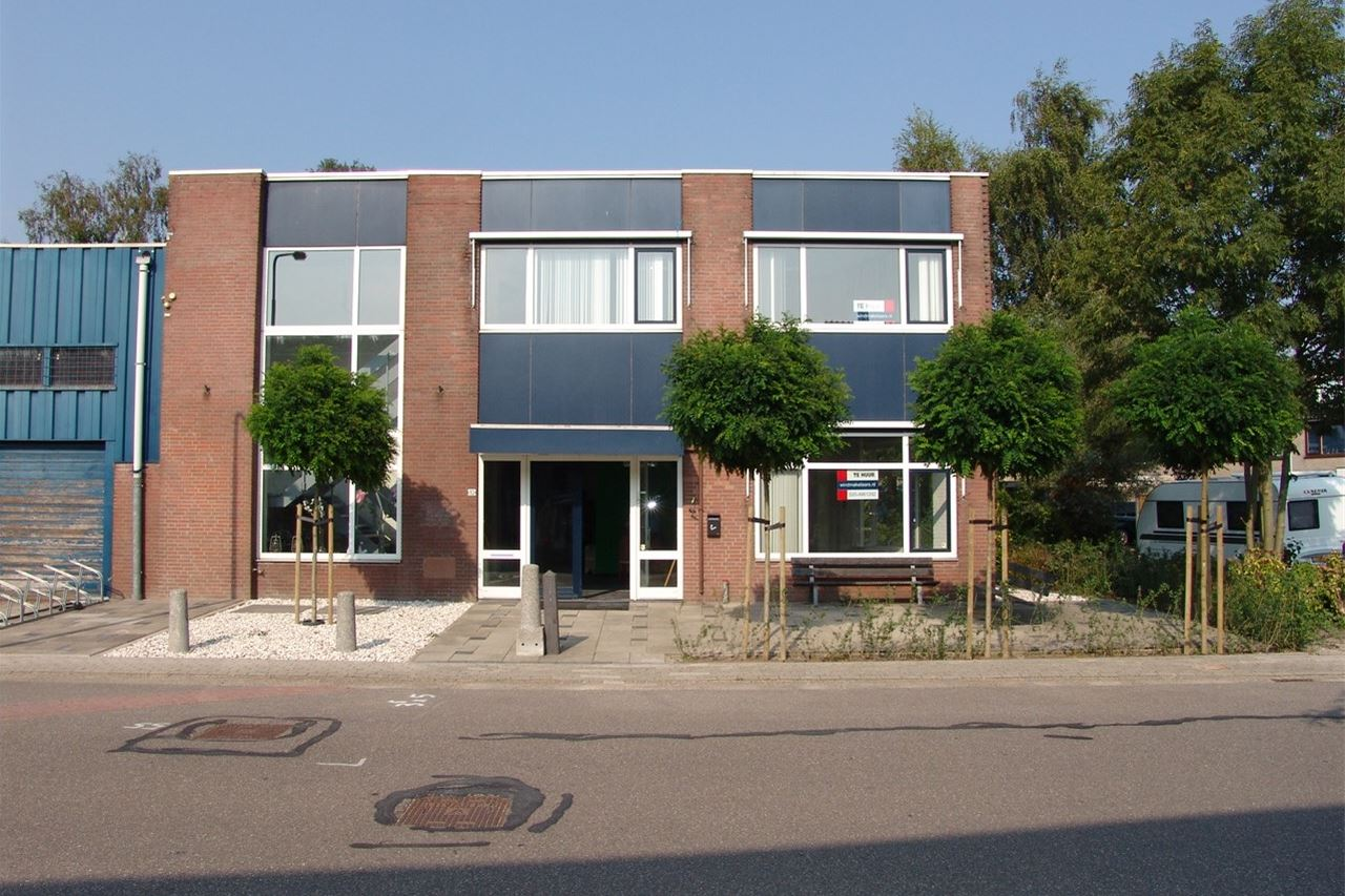 View photo 2 of Ambachtenstraat 10