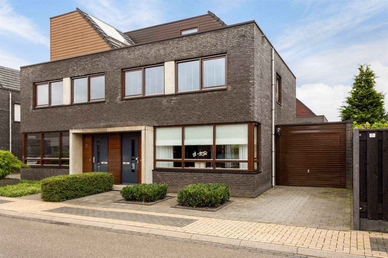 Bekijk foto 1 van Jacob van Maerlantlaan 1