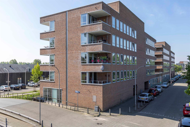 Bekijk foto 1 van Rijswijkse Landingslaan 354