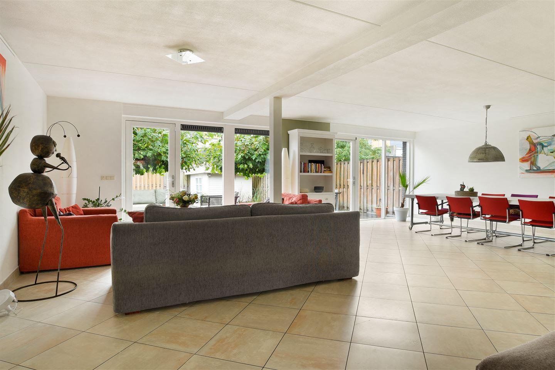 Bekijk foto 2 van P. Mondriaanlaan 60