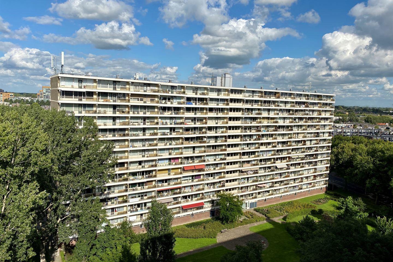 Bekijk foto 1 van Louis Couperusplaats 15
