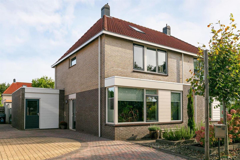 Bekijk foto 1 van Domela Nieuwenhuisstraat 16