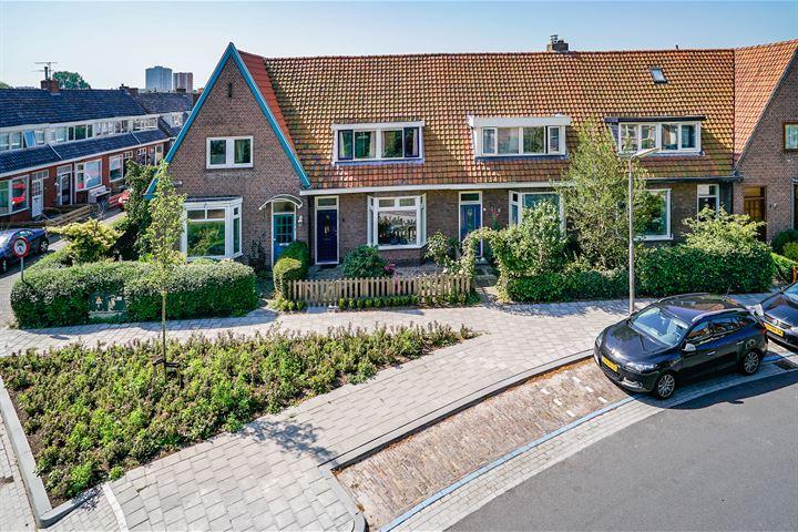 Ruysdaelstraat 3