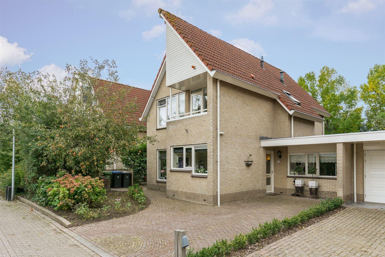 Bekijk foto 2 van Maasweg 18