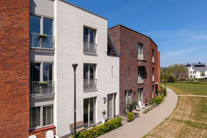 Gilbert Bécaudstraat 7