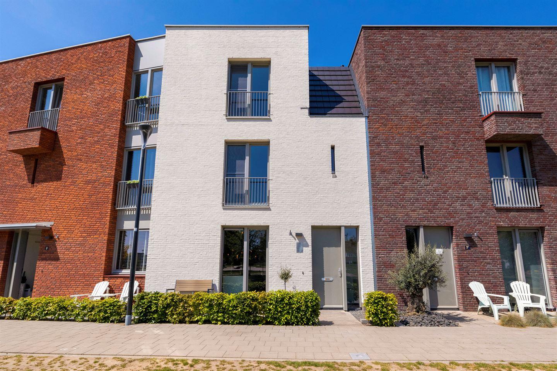 Bekijk foto 4 van Gilbert Bécaudstraat 7