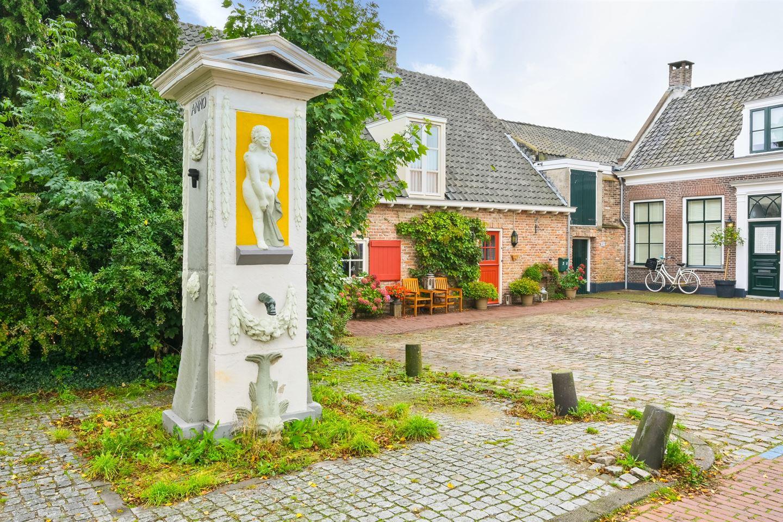 Bekijk foto 2 van Hofplein 28
