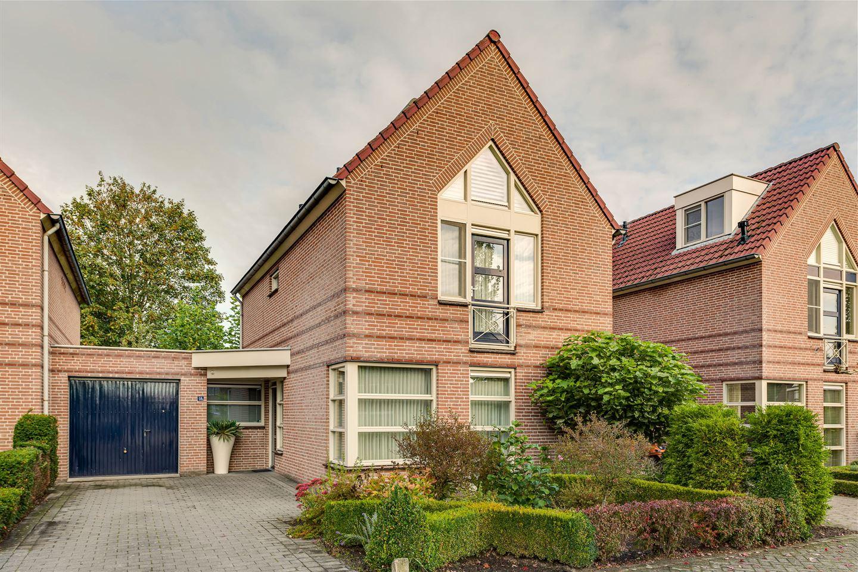 Bekijk foto 1 van Jankushofstraat 18